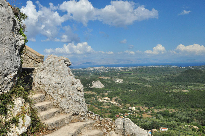 Corfu_kaiser_throne_06