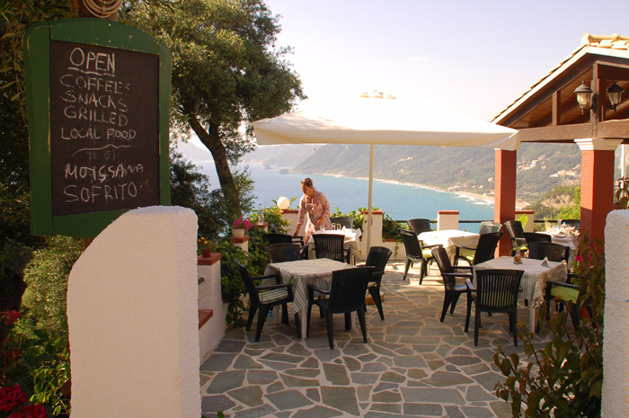 Corfu_restaurant_chrisplace05