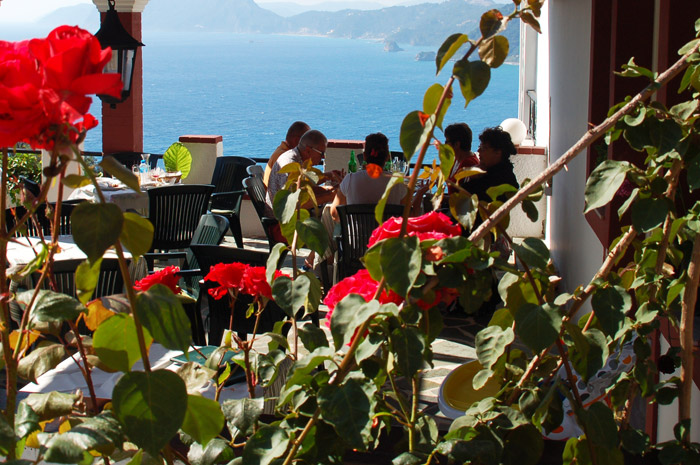 Corfu_restaurant_chrisplace10